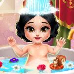 Little Snow White's Bath